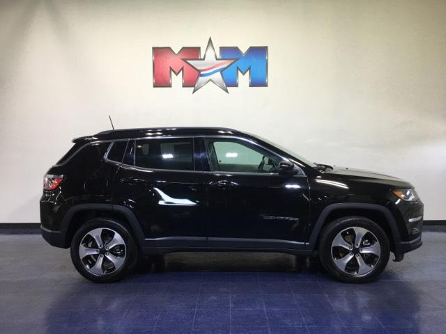 Pre-Owned 2017 Jeep Compass Latitude 4x4