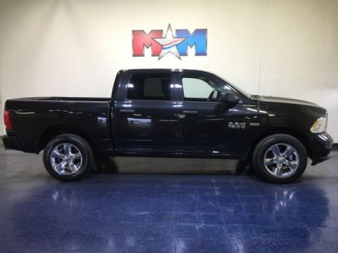 Pre-Owned 2017 Ram 1500 Express 4x4 Crew Cab 5'7 Box