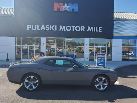Pre-Owned 2018 Dodge Challenger SXT RWD