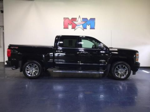 Certified Pre-Owned 2015 Chevrolet Silverado 1500 4WD Crew Cab 143.5 High Country